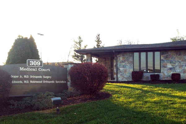 Robinwood Orthopaedic Specialty Care Center - Martinsburg